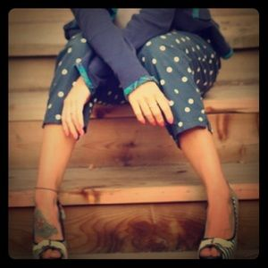 ⭐️ 2 for $15 Abercrombie polka dot capri jean pant